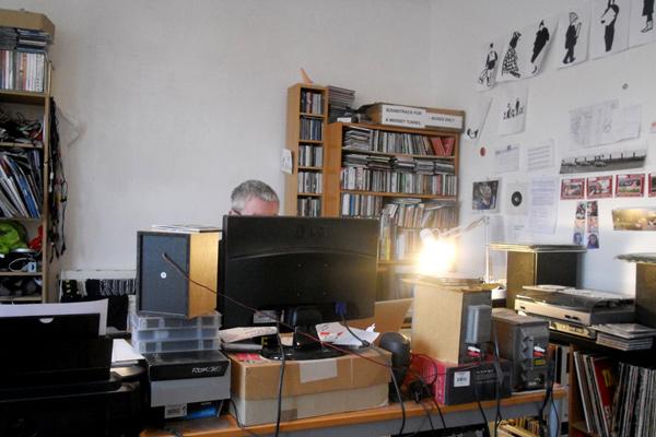 webSYNradio Alan_Dunn_in_studio_by_Zak_600 Un programme révolutionnaire de Alan Dunn sur websynradio Podcast Programme  Revue Droit de cites